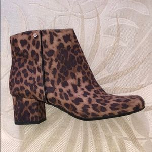 SAM&LIBBY leopard ankle boots
